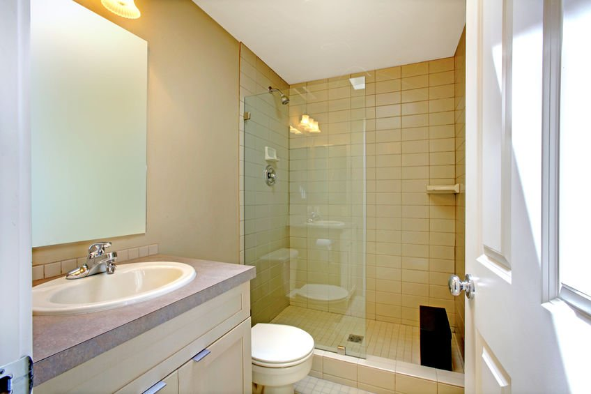 A WC-k és a fürdőszoba összekapcsolása a legmegfelelőbb a következő.